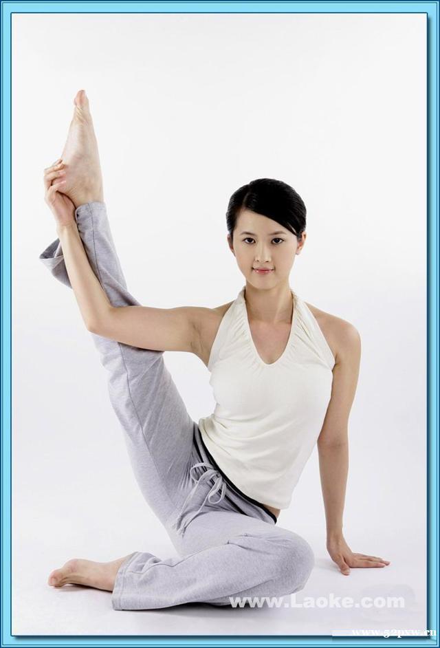 一,高温瑜伽:在一个热的环境里温度控制在38-42之间练习26个体式,并