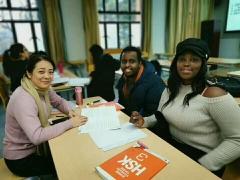上海的汉语学校咋样帮助外国人说好汉语
